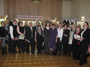 Учасники круглого столу у виставковому залі Педагогічного музею України